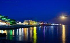 Залізний порт: клуби, атракціони та інші розваги